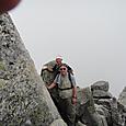 宝剣岳岩場を登る