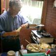 ポテトサラダ製作中の三浦さん