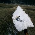 狭いくぼ地の雪 離陸可能か?