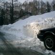 山小屋前の道路