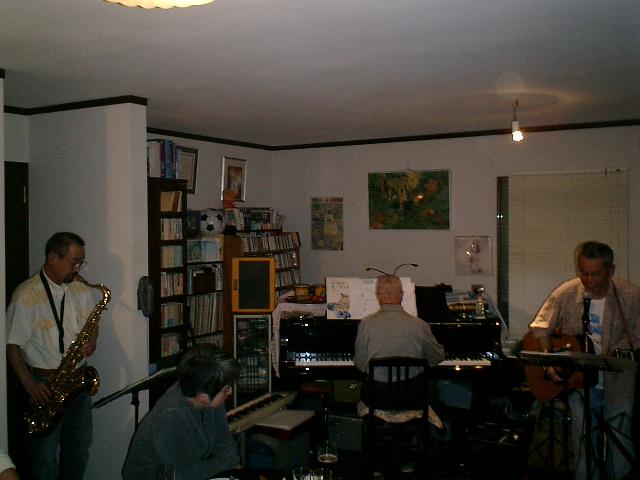 サックス、ピアノ、ギター