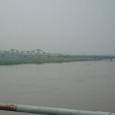モヤに霞む紅河
