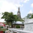 船着き場から見上げる暁の寺