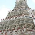 陶磁器で装飾された大塔