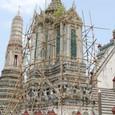 修理中の祭壇