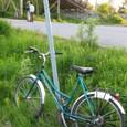 自転車を停めて白夜ハイキングへ