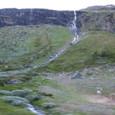 フロムへの道 滝の風景