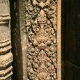 柱のレリーフ