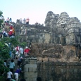 プノン・バケン寺院に登る