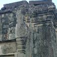 頂上にあるプノン・バケン寺院