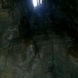 堂塔内部 天井から光が