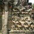 象のテラス レリーフ群