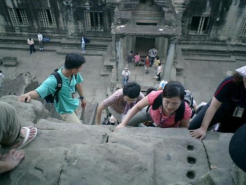 中央祠堂の階段
