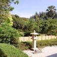 石灯籠と庭園