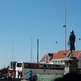 港の記念碑