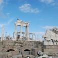 ギリシャのアテネの神殿を彷彿させる