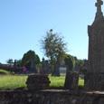 朝日を受ける墓所