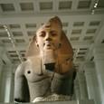 ラムセス二世像