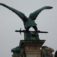 伝説の鳥 トゥルルの像