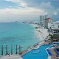 部屋から綺麗なビーチの眺め