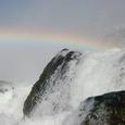 虹と水しぶき