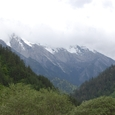 雪を抱く4千メータ級の山々