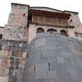 曲面の石垣はインカ、それ以外はスペイン建造