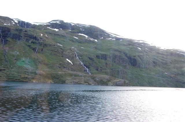 滝と氷河湖