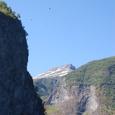 ソグネフィヨルドの山々は標高1660メータ