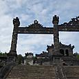 カイディン帝廟 ゲートの向こうに西洋風の建物