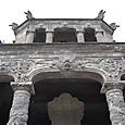 カイディン帝廟 彫刻は龍で中国的