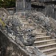 カイディン帝廟 龍の目玉は陶磁器か