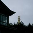 山頂の十方普賢菩薩の頭が見える