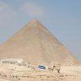 スフィンクスと大ピラミッド