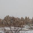 雪の洞窟住居の町