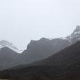 標高5千を越える岷山山脈に囲まれる