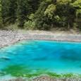 五彩池 岩だらけの池です