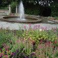 花壇と噴水