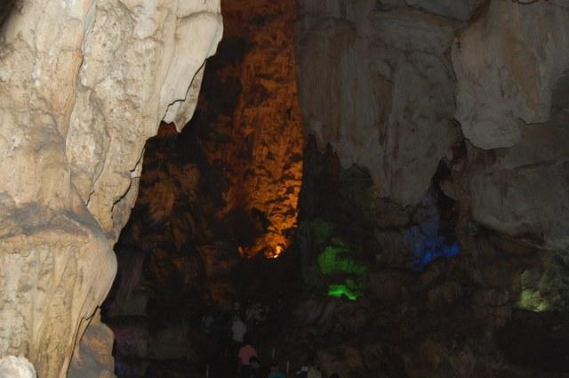 ハロン湾鍾乳洞(ティエンクン)入口