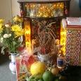 お店の中の祭壇