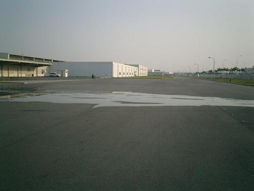 広大な700メータ滑走路