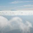 雲海と遥かな山々