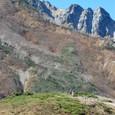 八方池から唐松岳を見る