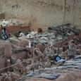 1号坑 発掘途中の考古チーム