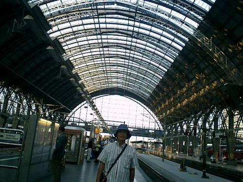 フランクフルト駅からハイデルベルグに向かう
