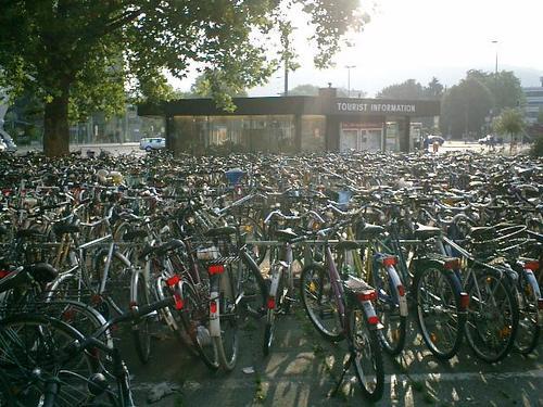 駅前の自転車