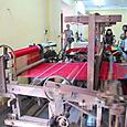 ホイアン 絹織物店 機を織る