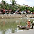 トゥーボン川のほとり のどかな風景