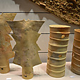 円筒埴輪と楯埴輪