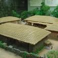 兄弟は結婚すると同じ敷地に家を建て独立する
